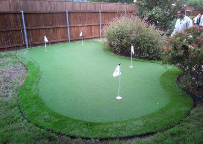 Putting green backyard artificial turf