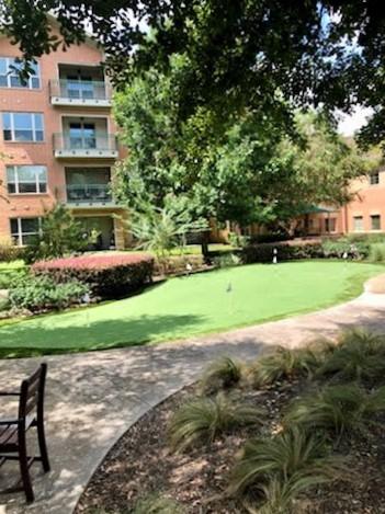 Retirment Community Putting Green